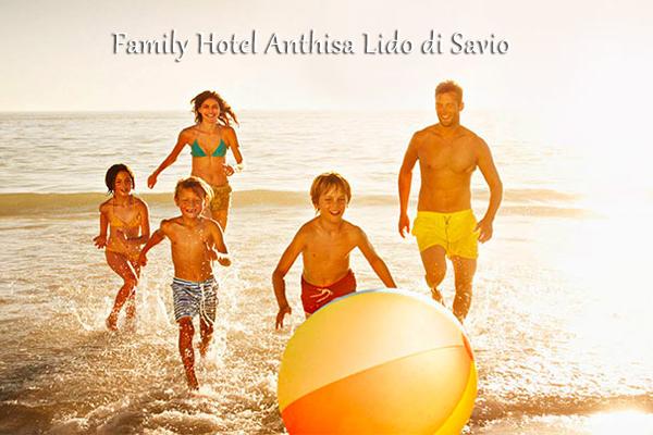 Family Hotel Lido di Savio con piscina, spiaggia, bevande gratis, open bar, animazione, parcheggio